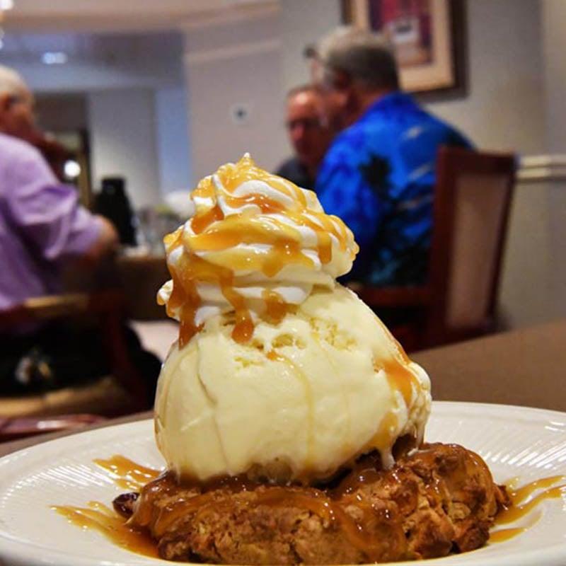 A delicous serving of dessert