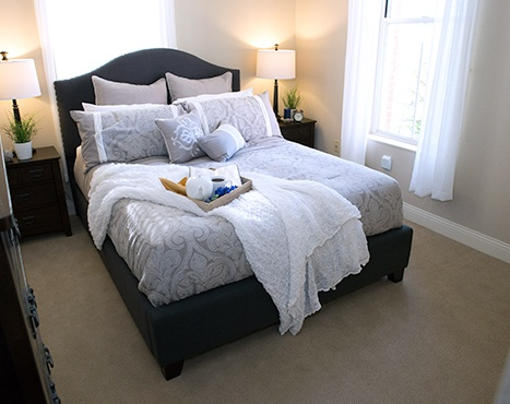 10 Wilmington Place Assisted Living - Bedroom