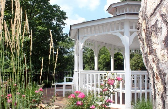 Gorgeous reading, resting or relaxation spaces outdoors at 10 Wilmington Place